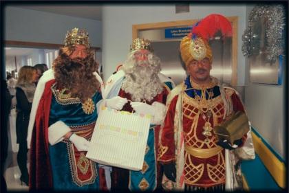 Los Reyes Magos en el Hospital San Rafael con los juguetes de Baby Deli